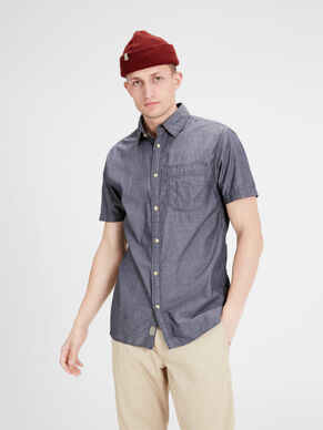 CHAMBRAY SHORT SLEEVED SHIRT