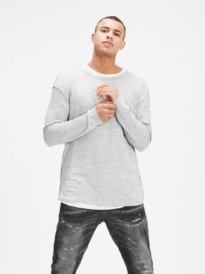 LIGHT LONG-SLEEVED T-SHIRT