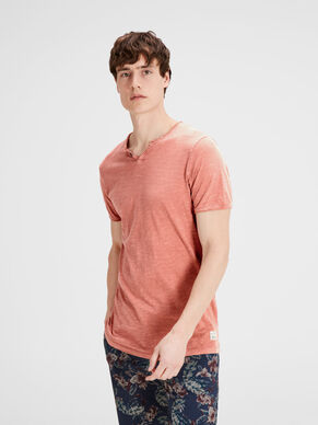 SPLIT-NECK- T-SHIRT