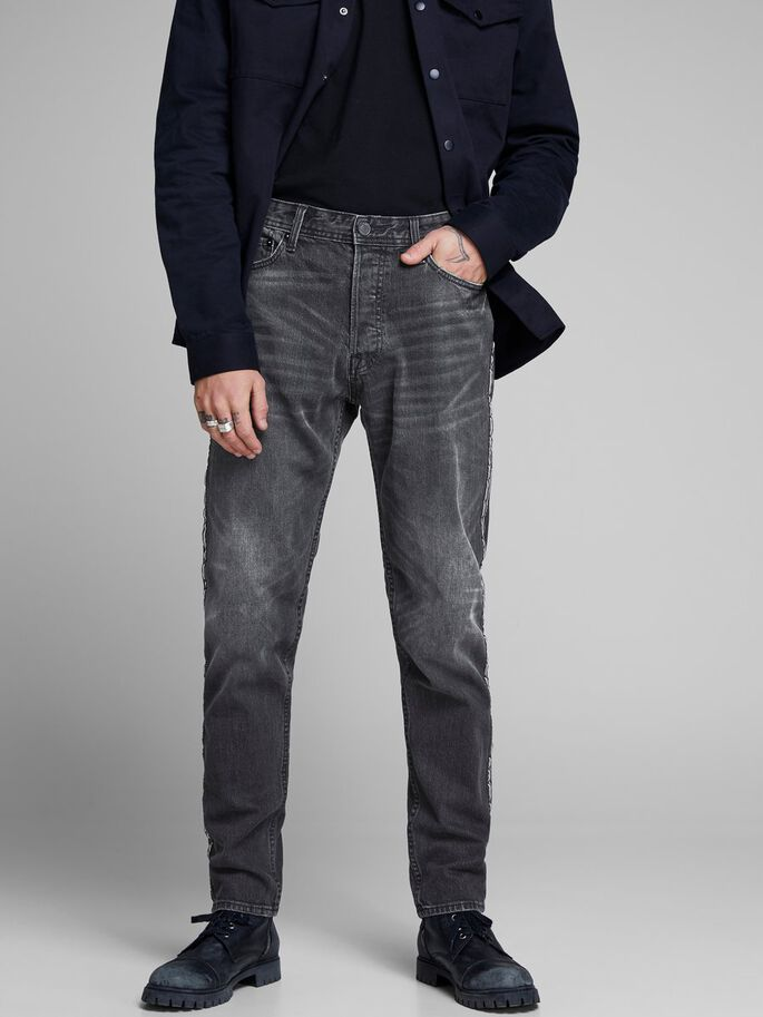 3b80528ac23c Fred original cr 091 tapered fit jeans