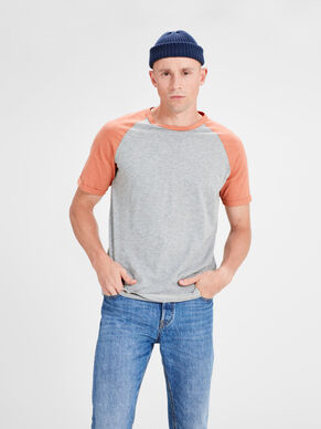 CASUAL T-SHIRT