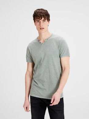 SPLIT-NECK T-SHIRT