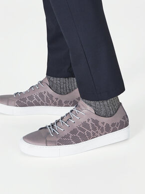 KLASSISKA SNEAKERS