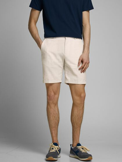 SMART-CASUAL LINEN SHORTS